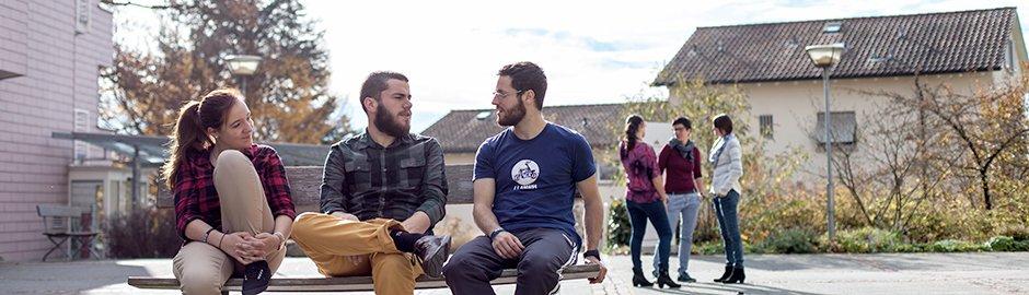 Der moderne Chrischona-Campus beherbergt alles, was es für den Studienerfolg braucht, inklusiver guter Gespräche über den Glauben und das Leben.