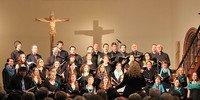 """Der Chor des Theologischen Seminars St. Chrischona (tsc) beim Konzert """"Credo! Ich glaube."""" in der Pauluskirche Badenweiler."""