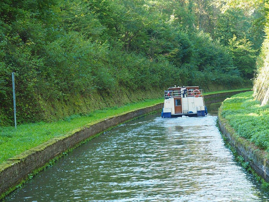 Hausbootwoche für Männer: Auf dem Kanal