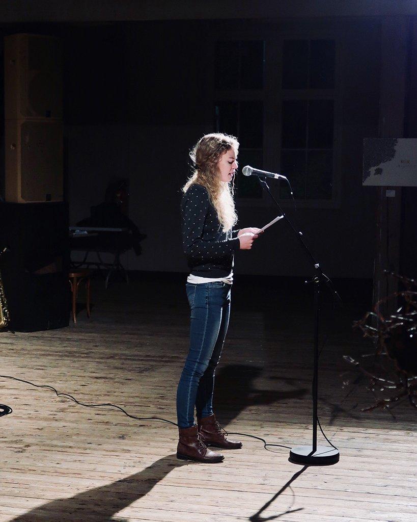 Art for God: Poetry-Slam von Valerie