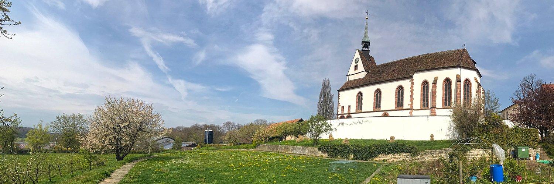 Kirche St. Chrischona ohne Kastanien im Frühling 2019