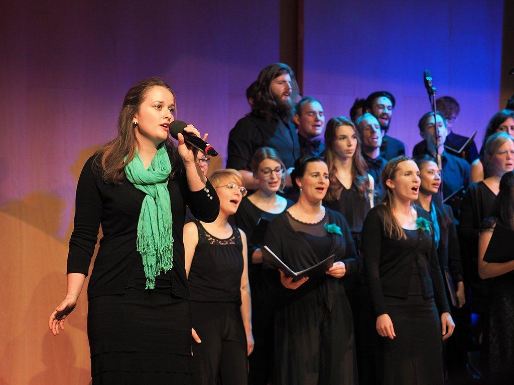 Der tsc-Chor singt «Stand by me».