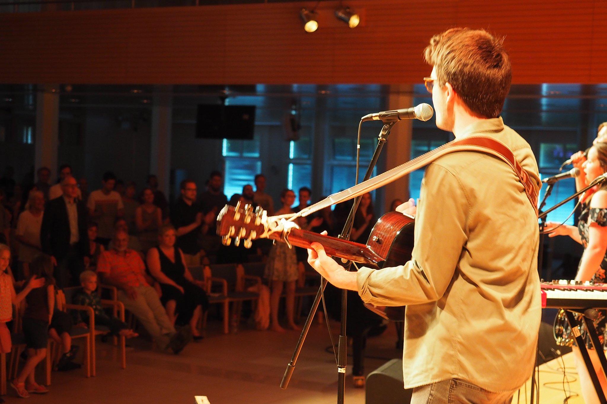 Konzert mit Bands aus dem Studiengang Theologie & Musik