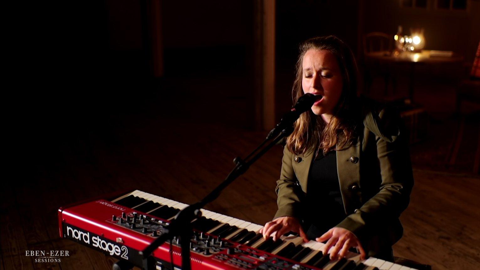 Eben-Ezer-Sessions: Mirjam Dück singt ihr Lied «Freundschaft».