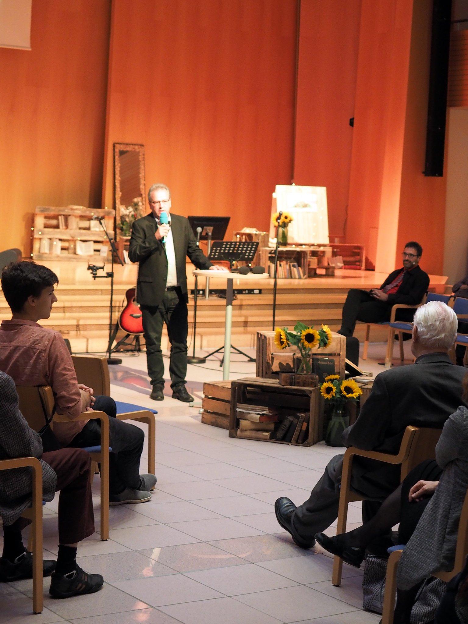 Rektor Benedikt Walker heisst die Jubilare herzlich willkommen zum Jubiläumstreffen 2019.