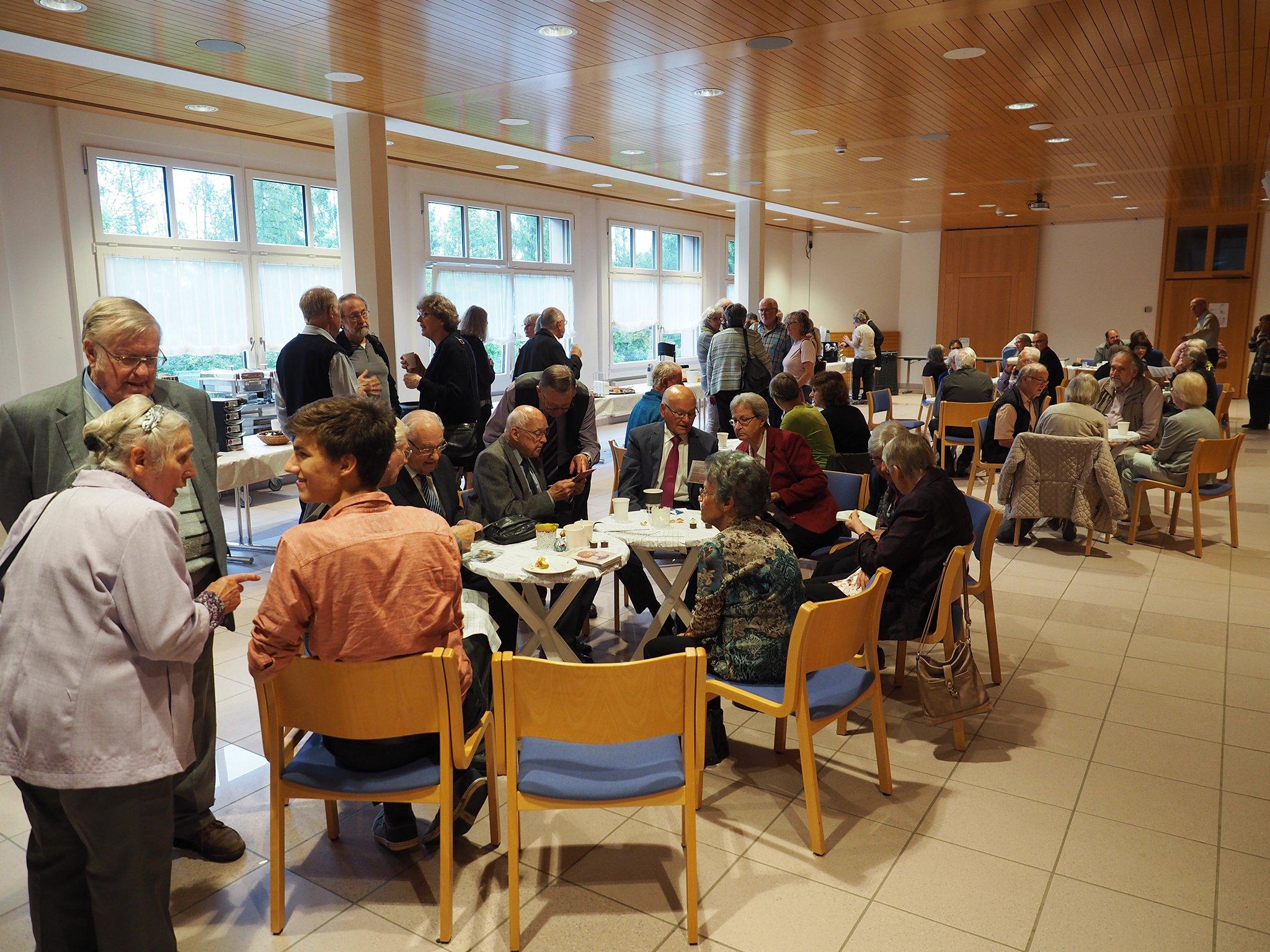 tsc-Jubiläumstreffen 2019: Kaffeetrinken mit ehemaligen Klassenkameraden
