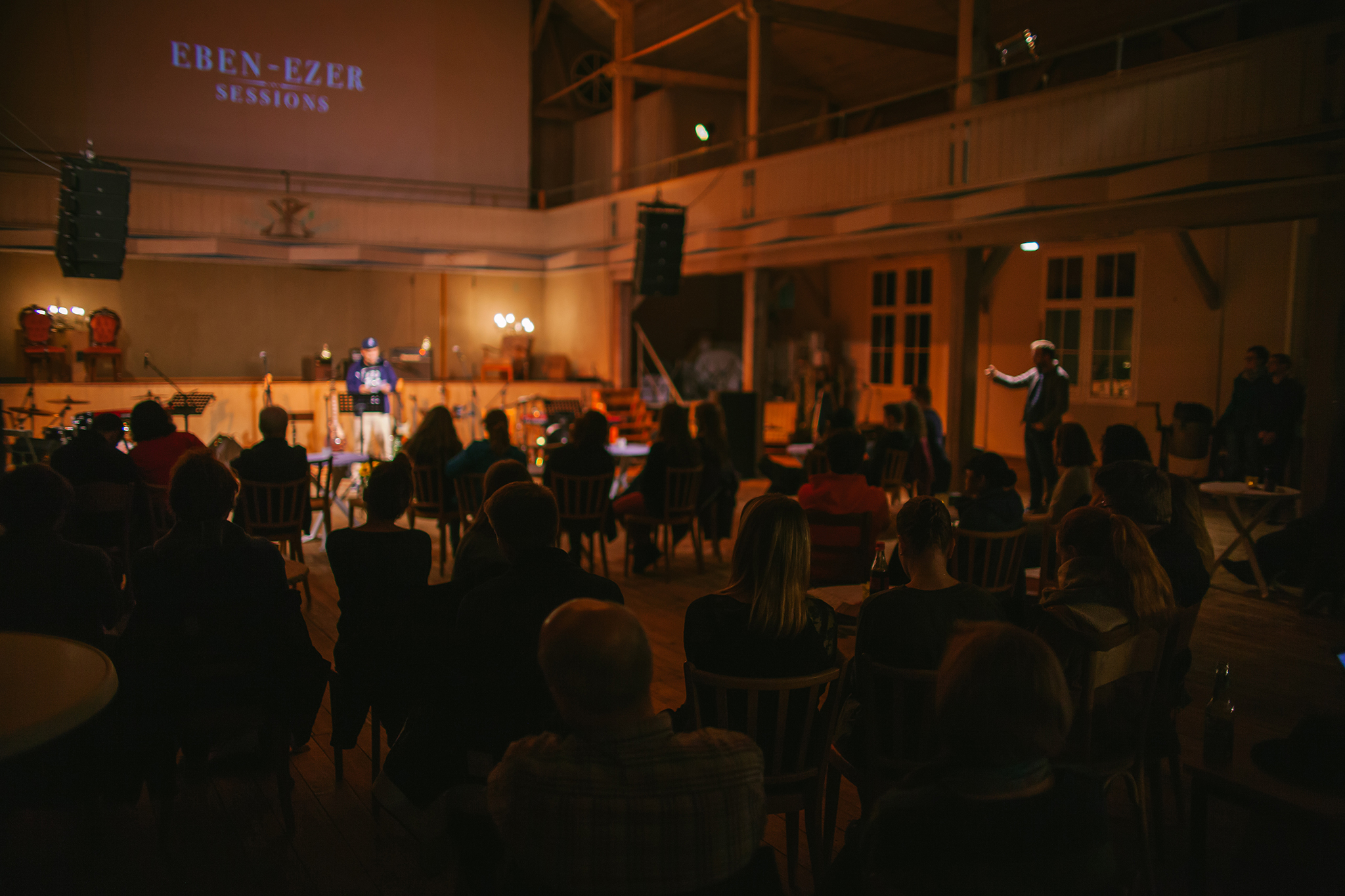 Eben-Ezer-Sessions am 18.10.2019: Publikum beim Poetry-Slam (Foto: Knut Burmeister, ALLTAG)