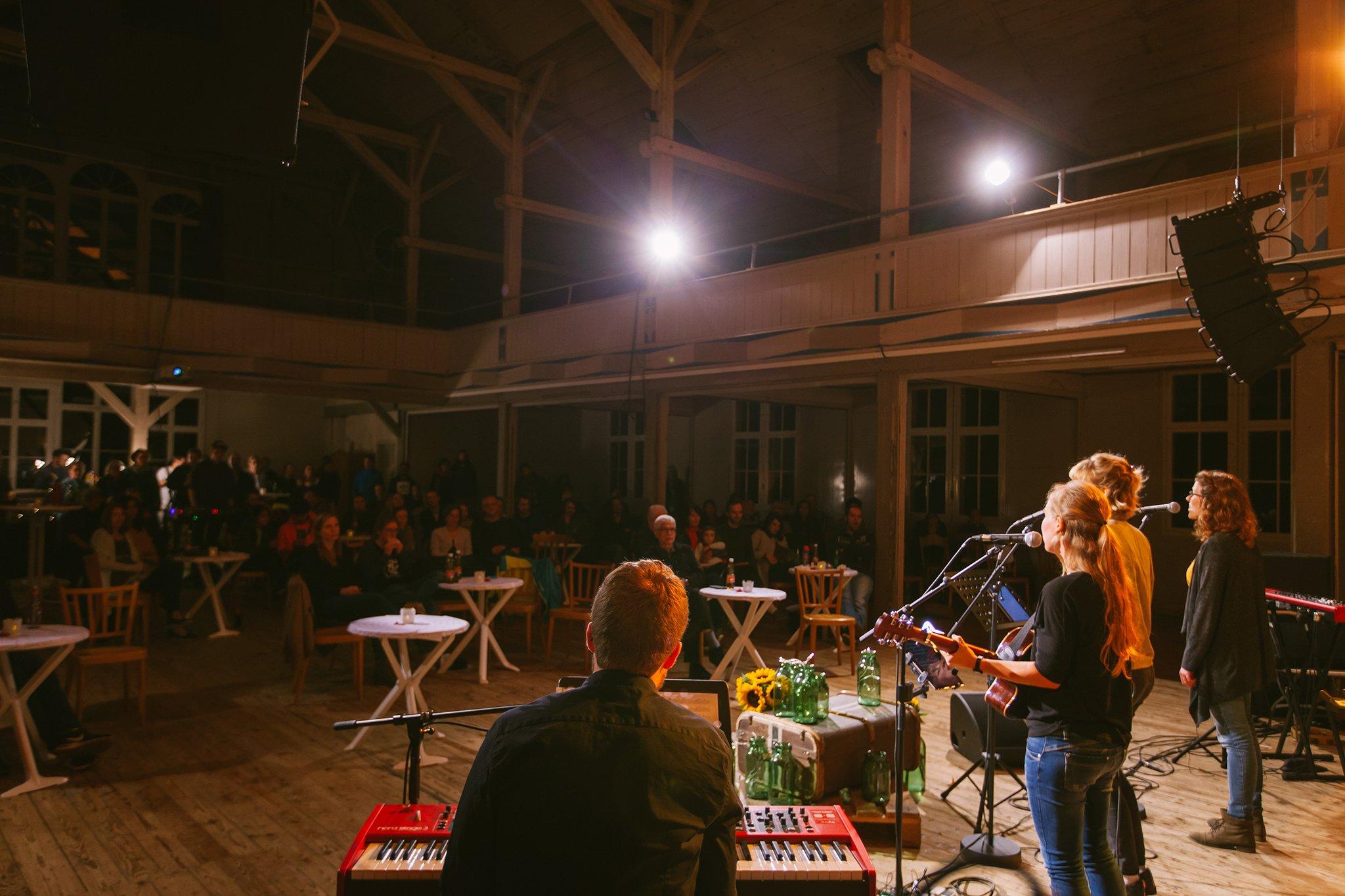 Eben-Ezer-Sessions am 18.10.2019: Stimmungsvolle Atmosphäre (Foto: Knut Burmeister, ALLTAG)