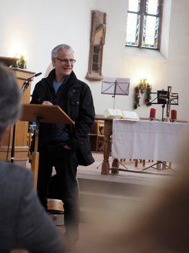 Auf humorvolle Art und Weise blickt Claudius Buser, Dozent für Kirchengeschichte am tsc, auf die Ereignisse des Jahres 2019 zurück.
