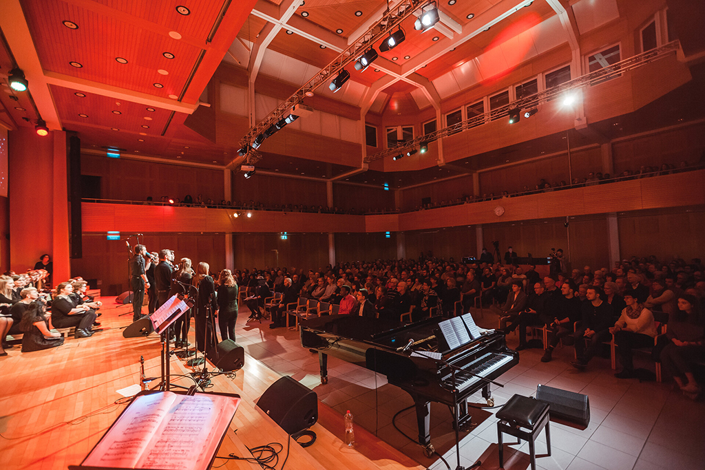 Adventskonzert des tsc-Chors am 30.11.2019: Voller Saal (Foto: Knut Burmeister, ALLTAG)