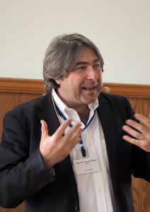Der Kommunikationswissenschaftler Prof. Dr. Vinzenz Wyss zeigte die Herausforderungen auf, die Christen bei ihrer Kommunikation in der Öffentlichkeit haben.
