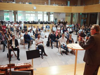 «Geht als Lernende!», rät Rektor Dr. Benedikt Walker der Abschlussklasse 2020.