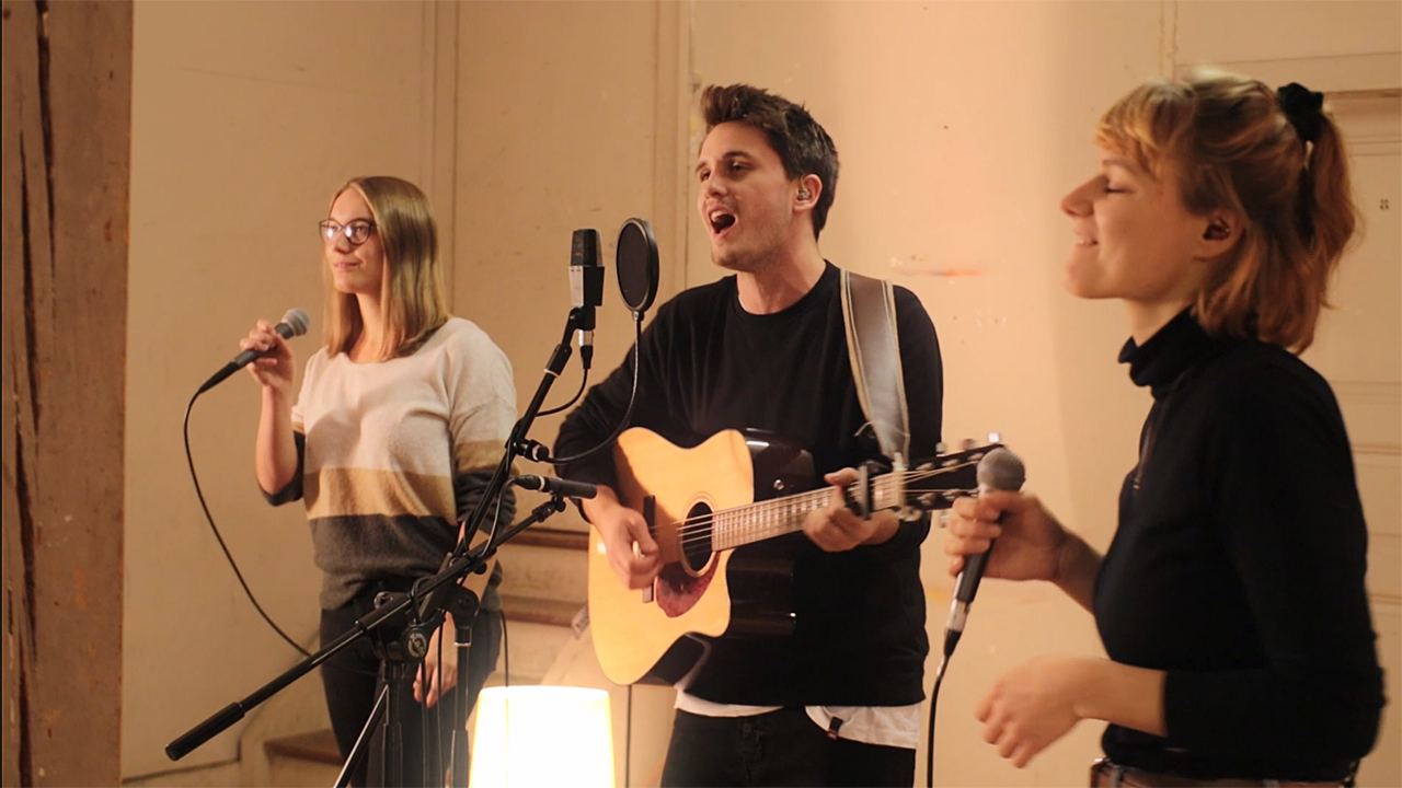 Spendenprojekt Eben-Ezer-Halle: Musikvideo-Dreh «Aus klein wird gross»