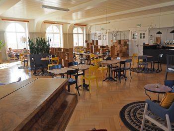 Für das Coffeehouse Foodnote wurde der ehemalige Speisesaal 1 im Brüderhaus umgebaut.