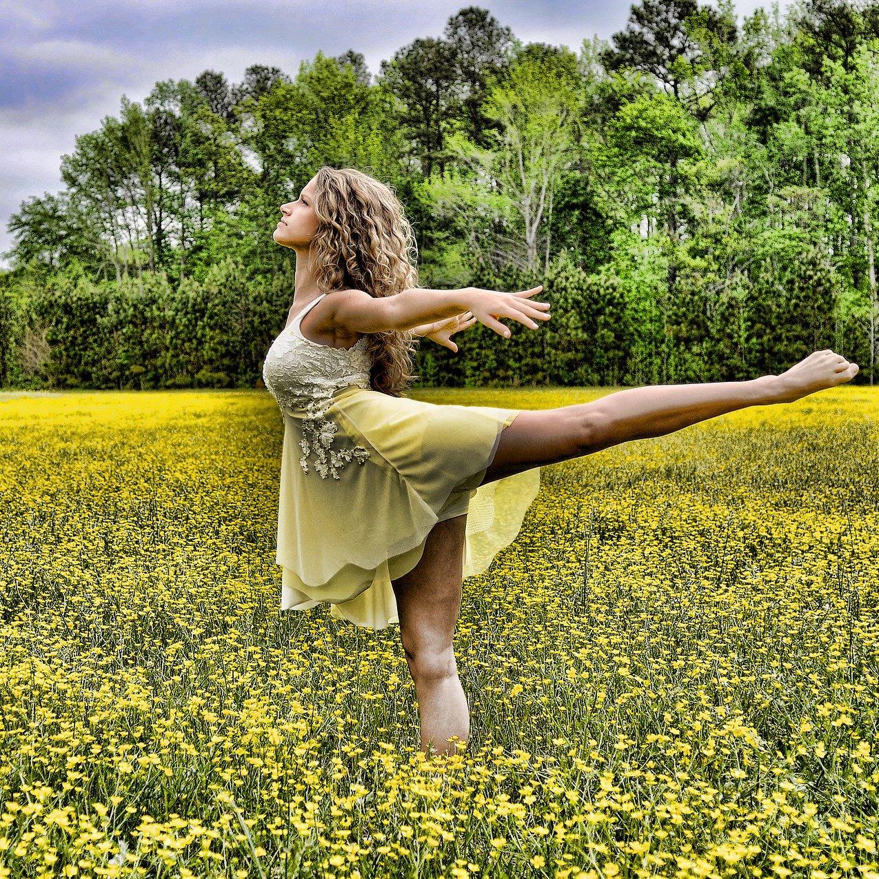 Dance & Praise (1275x1275px)